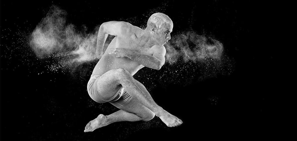 Pow(de)r of love: Artistic fineart dance shooting by Christian Weymann